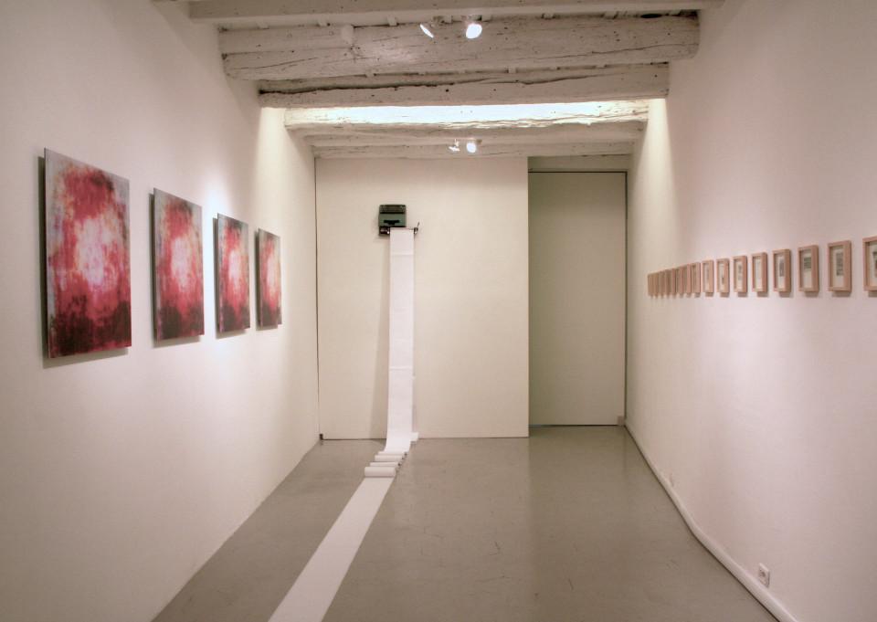 """Avatar, installation view in """"vicinilontani"""" exhibition, 2009. Courtesy: viamoronisedici spazioarte."""